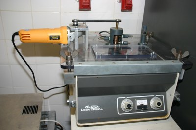 Zentrifugenofen (bis 1350 °C, ~1000 g, mit Abschreckmöglichkeit während der Rotation)